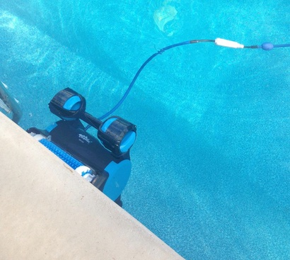 Dolphin Triton Plus Climbing Wall Robotic Pool Cleaners