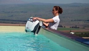 Best Robotic Pool Cleaners for an Above Ground Pool